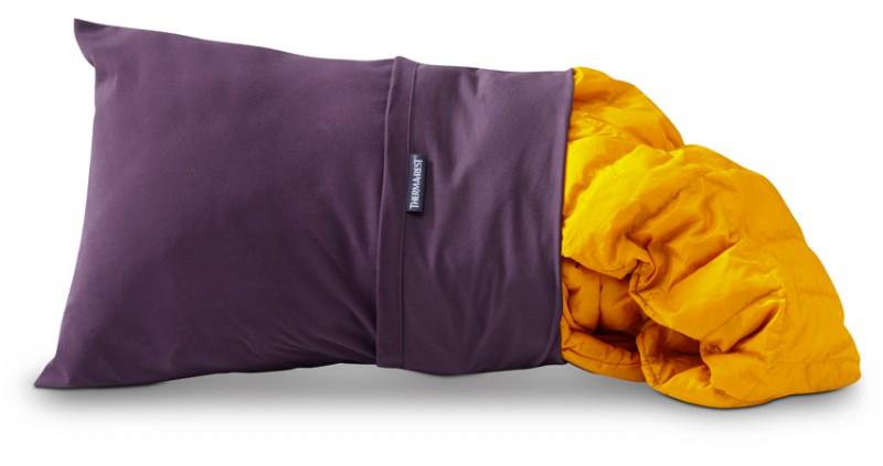 thermarest trekker kissenbezug vollgestopft wird er zum kuscheligen kissen schlafen kissen. Black Bedroom Furniture Sets. Home Design Ideas
